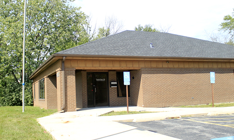 Homewood trustees approved a recommendation Tuesday that the property at 18237 Kedzie Ave. receive class 8 tax relief. The owner intends to open a cigar lounge. (Eric Crump/H-F Chronicle)