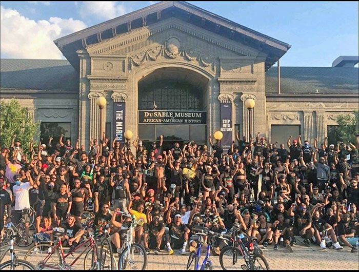 On Juneteenth, around 1,400 Streets Calling bike club members pose for a picture in front of the DuSable Museum. (Provided photo)