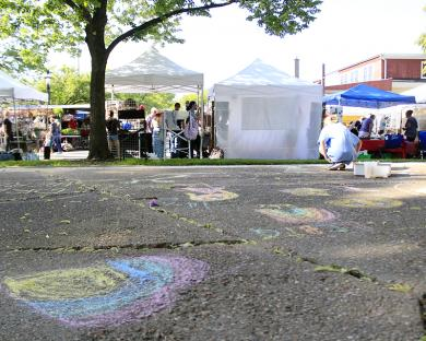 Independence Park on the southwest corner of Hickory Road and Dixie Highway has space for kids to create their own art.