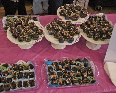 Treats arrayed just before guests were allowed to take samples. Most contestants ran out of samples before the event was over.