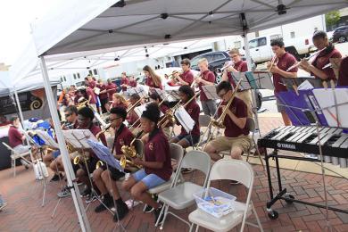 James Hart Jazz Bands entertain farmers market patrons.