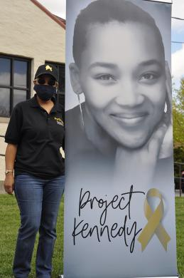 Darnesha Evans, who took part in the pop-up, works to share her late daughter Kennedy Parker's story. (BJ)