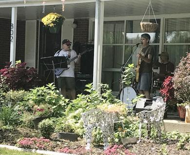 Orange performs at 802 Latimer Lane. (NJ)