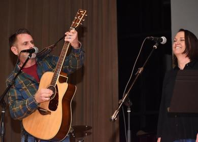 Providing music and urban folk tales during the ShowOff talent show were Kirk Lindstrom and Connie Natvig.